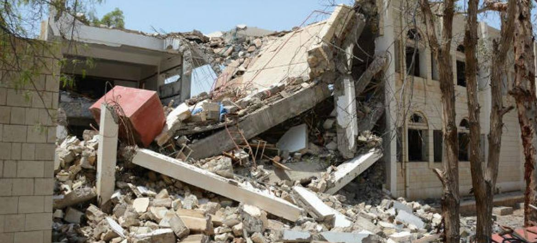 Prédio destruído no conflito iemenita. Foto: OCHA/P. Kropf