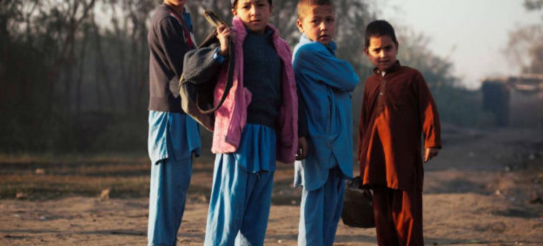 Meninos afegãos. Foto: Acnur/S. Phelps