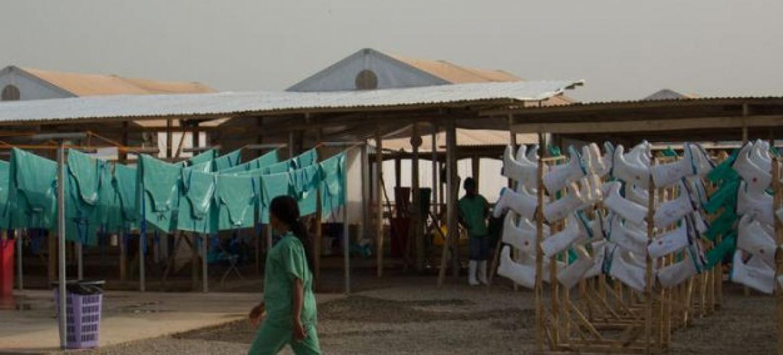 Centro de Tratamento na Serra Leoa. Foto: Unmeer/S.Ruf.
