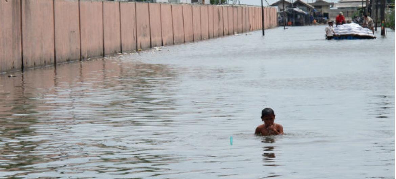 Cheia em Jacarta, na Indonésia.Imagem: Farhana Asnap / World Bank