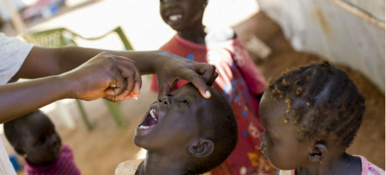 Vacina oral contra poliomielite. Foto: ONU/JC McIlwaine