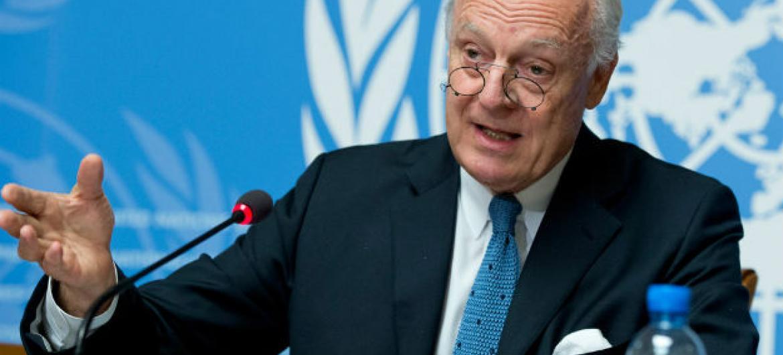 Enviado especial das Nações Unidas para a Síria, Staffan de Mistura, fala à imprensa. Foto: ONU/Jean-Marc Ferré