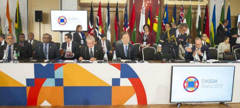 Ban Ki-moon participa da reunião de chefes de Estado da Commonwealth, em Malta.Foto: ONU/Rick Bajornas