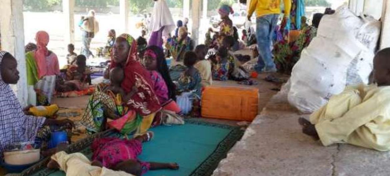 Pessoas desalojadas pela violência do Boko Haram. Foto: Acnur/D.Mbaiorem.