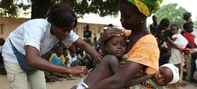 Civis na Guiné-Bissau. Foto: Unicef/Roger Lemoyne