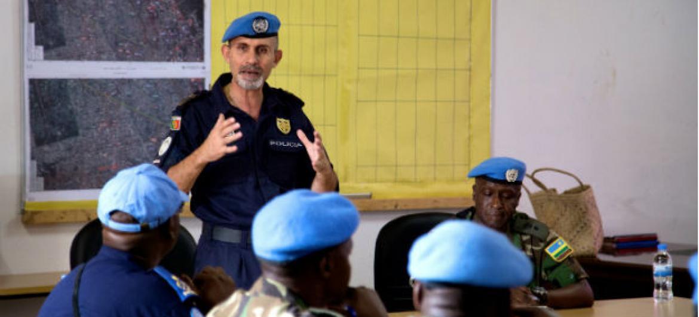 O comissário da Polícia da Missão das Nações Unidas na República Centro-Africana, Minusca, Luís Carrilho, participa no encontro.Foto: ONU/Nektarios Markogiannis