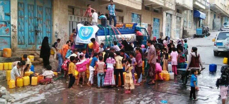 OMS já entregou 960 mil litros de água em distritos do Iémen. Foto: OMS Iémen