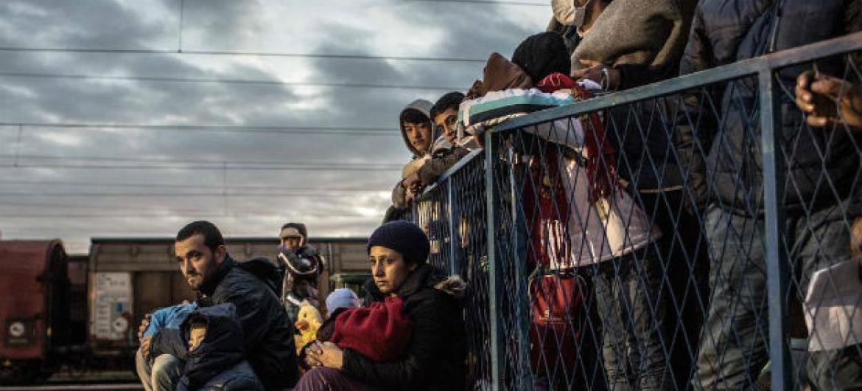 Migrantes sírios na Grécia. Foto: Acnur/Daniel Etter