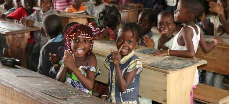 PMA defende a alimentação escolar no ensino básico e pré-escolar da Guiné-Bissau.Foto: PMA/Donaig Le Du.