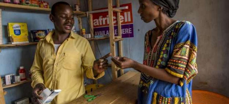 Projeto apoiado pelo Banco Mundialbusca melhorar o acesso a meios de subsistência e infraestrutura sócio-económica para desalojados e comunidades anfitriãs. Foto: Acnur/F.Noy (arquivo)