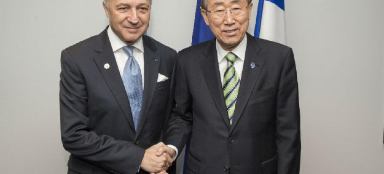 Laurent Fabius e Ban Ki-moon na COP21. Foto: ONU/Eskinder Debebe