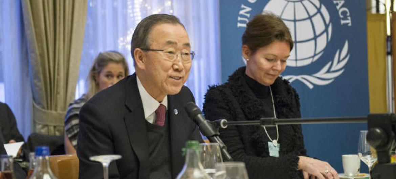 Secretário-geral da ONU, Ban Ki-moon, participa de evento do Pacto Global no Fórum Econômico Mundial, em Davos, na Suíça. Foto: ONU/Rick Bajornas