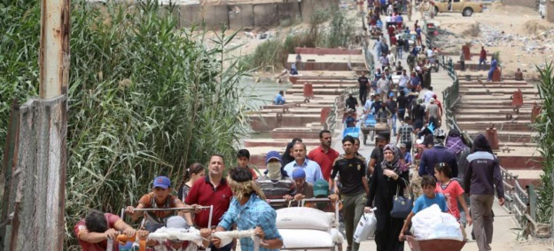 Civis fogem de Ramadi, a capital da província iraquiana de Anbar. Foto: Unicef/Wathiq Khuzaie.