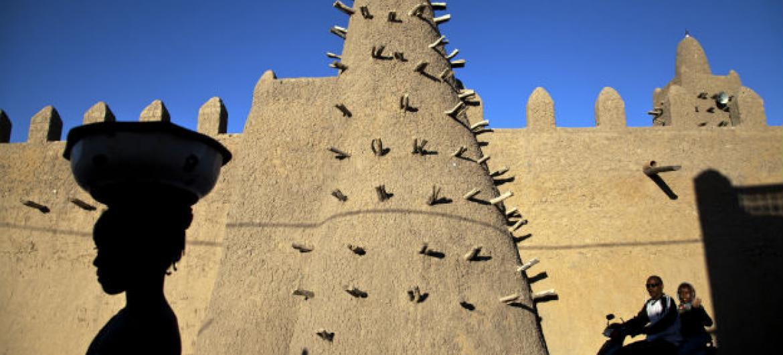 Mesquita na cidade de Timbuktu, Mali. Foto: ONU/Marco Dormino