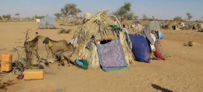 Tendas improvisadas abrigam refugiados em Diffa, Níger. Foto: Acnur/Boubacar Bamba