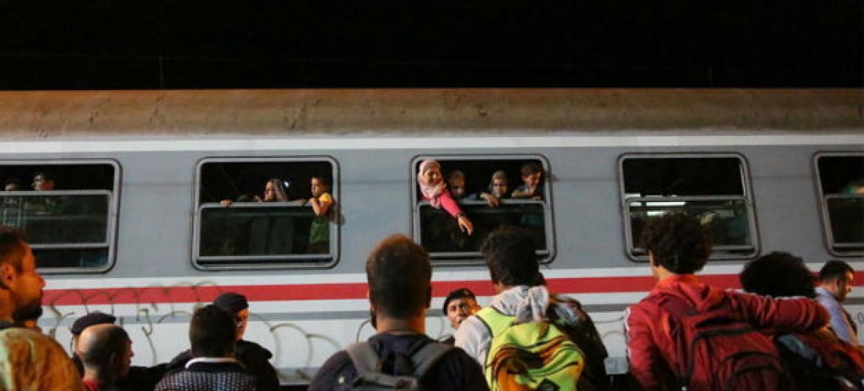 Refugiados sírios e migrantes (arquivo). Foto: OIM/Francesco Malavolta