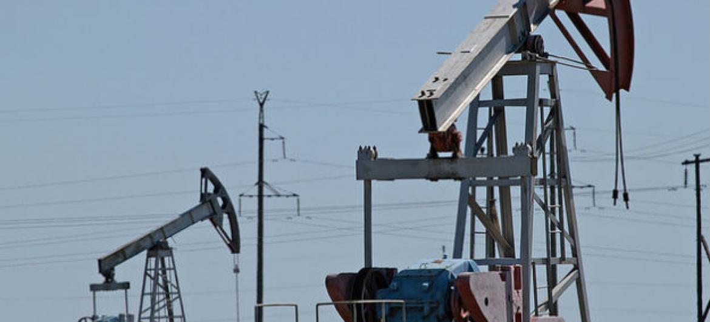 Extração de petróleo. Foto: Banco Mundial/Gennadiy Kolodkin