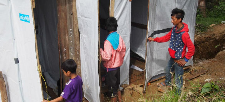 Banheiros construídos com apoio do Unicef em Mianmar. Foto: Unicef/Kap Za Lyan