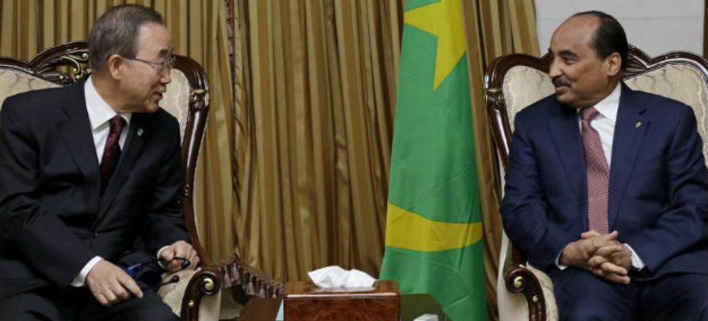 Ban Ki-moon e o presidente da Mauritânia, Mohamed Abdel Aziz.Foto: ONU/Evan Schneider