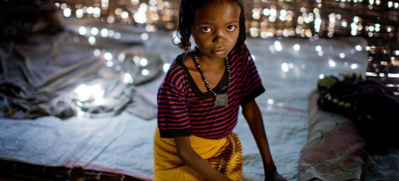 A menina Fatima foi sujeita à mutilação genital quando tinha apenas um ano de idade. Foto: Unicef/Kate Holt
