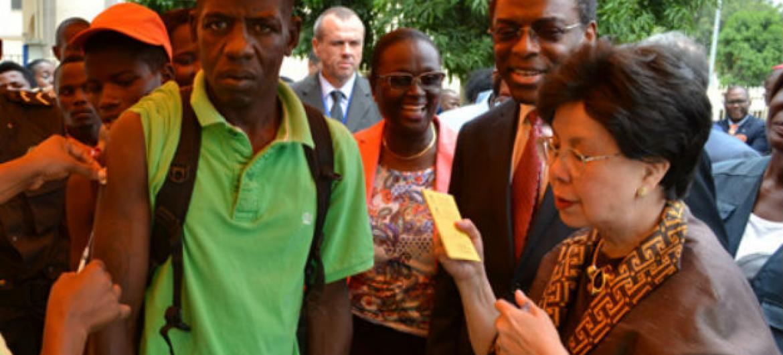 Chefe da OMS, Margaret Chan, durante visita a Angola. Foto: OMS/Jose Caetano