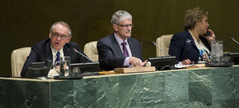 Ian Eliasson em discurso na sessão especial da Assembleia Geral. Foto: ONU/Manuel Elias
