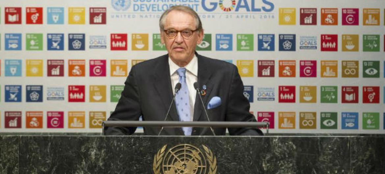 Jan Eliasson em discurso no primeiro debate de alto nível sobre os Objetivos de Desenvolvimento Sustentável. Foto: ONU/Loey Felipe