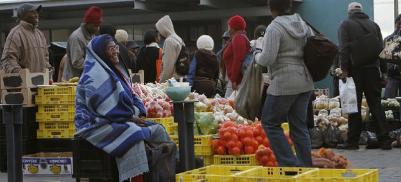 Mercado de rua na Cidade do Cabo, África do Sul. Foto: Banco Mundial