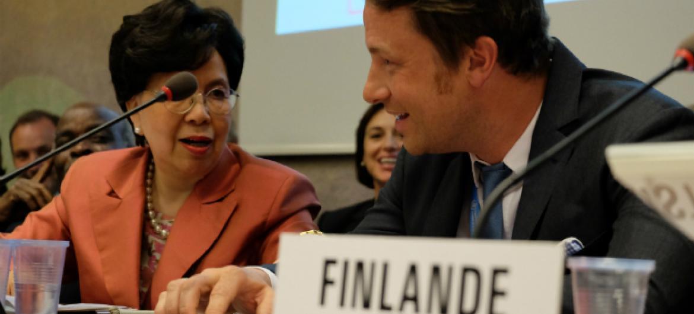 Jamie Oliver fala em Genebra durante a Assembleia Mundial da Saúde. Foto: Rádio ONU/Daniel Johnson