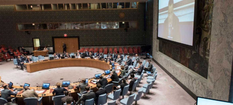Ismail Ould Cheikh Ahmed participa, via videoconferência, de reunião no Conselho de Segurança. Foto: ONU/Mark Garten