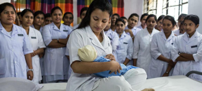 A OMS informou que Tailândia, Belarus, Armênia e Moldávia trabalharam intensamente para garantir acesso precoce a cuidados pré natal.Foto: ONU/Nicolas Axelrod