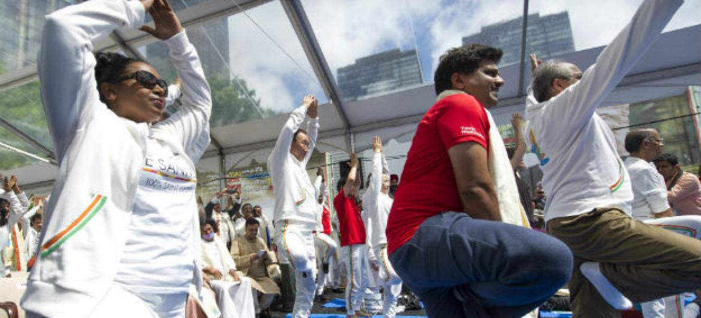 Dia Internacional da Ioga é comemorado nesta terça-feira, 21 de junho. Foto: ONU/Mark Garten