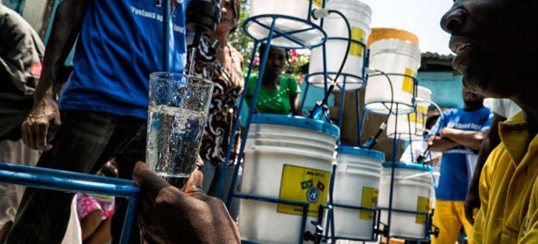 """Dados mais recentes mostram uma """"diminuição significativa"""" de casos suspeitos de cólera. Foto: ONU/Logan Abassi"""