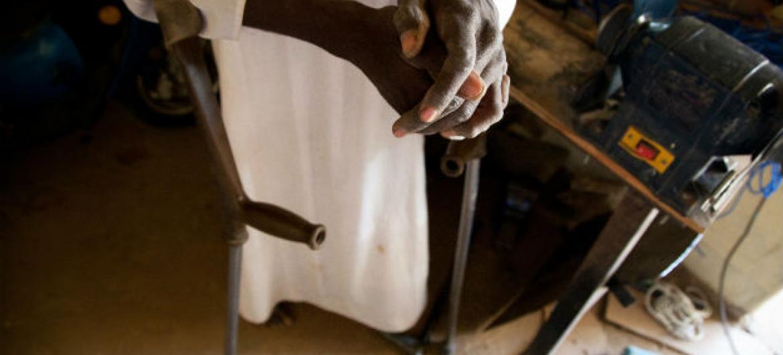 'Como melhorar os serviços para pessoas que vivem com deficiência em África' é tema de encontro em Adis Abeba, na Etiópia. Foto: ONU/Albert González Farran