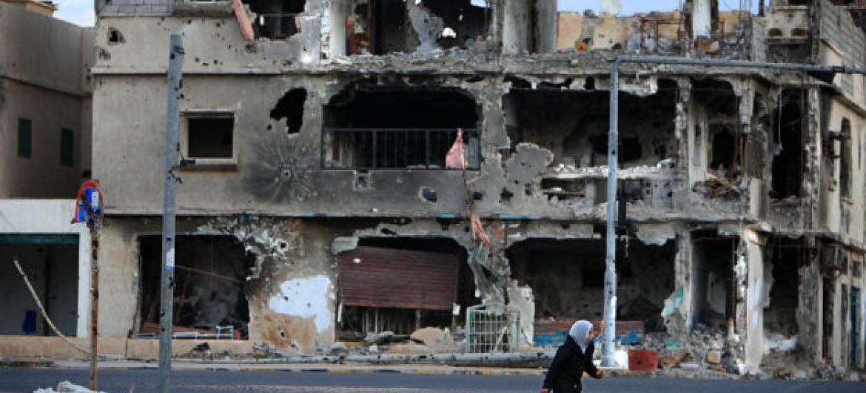 Prédios destruídos na cidade de Sirte, Líbia. Foto: Unicef/Giovanni Diffidenti