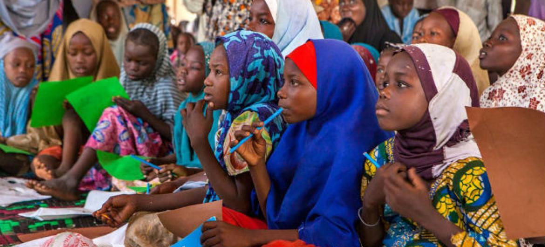 Centenas de escolas foram obrigadas a fechar na região afetada pelo Boko Haram. Foto: Unicef/Andrew Esiebo