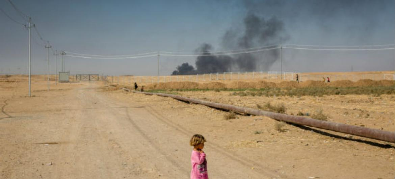 Criança deslocada em campo para refugiados no Iraque. Foto: Acnur/Ivor Prickett