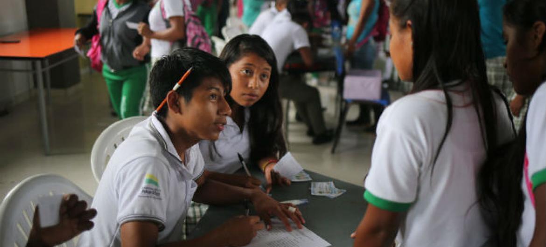 Crianças em escola na Colômbia. Foto: UNICEF/Roger LeMoyne