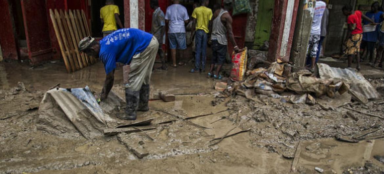 Estragos causados pela passagem do furacão Matthew no Haiti. Foto: Minustah/Logan Abassi