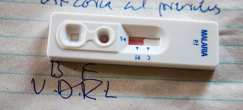 Kit para teste de malária. Foto: Unicef/Sebastian Rich