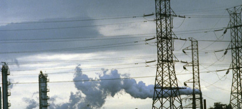O mundo precisa cortar entre 12 e 14 gigatoneladas das emissões de gases previstos para 2030.Foto: ONU/John Isaac