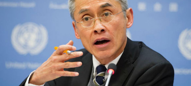 Vitit Muntarbhorn é o primeiro especialista da ONU contra discriminação baseada em orientação sexual. Foto: ONU/Rick Bajornas