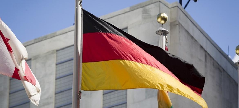 Bandeira da Alemanha hasteada na sede da ONU, em Nova York. Foto: ONU/Loey Felipe