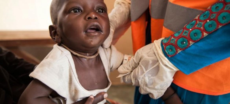 Menores de idade formam a metade dos 6 milhões de pessoas que precisam de assistência no próximo ano na Nigéria. Foto: Unicef/Katerina Vittozzi.