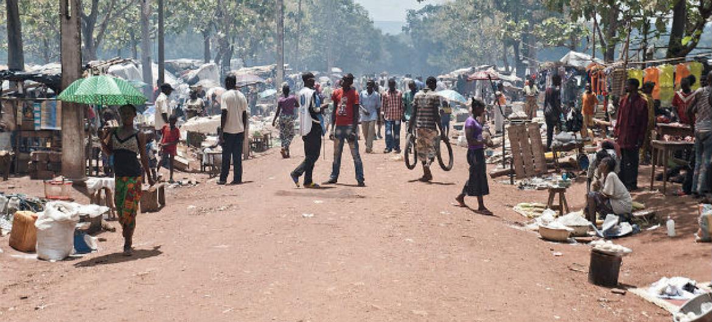 Deslocados internos na cidade de Bambari, República Centro-Africana. Foto: ONU/Catianne Tijerina