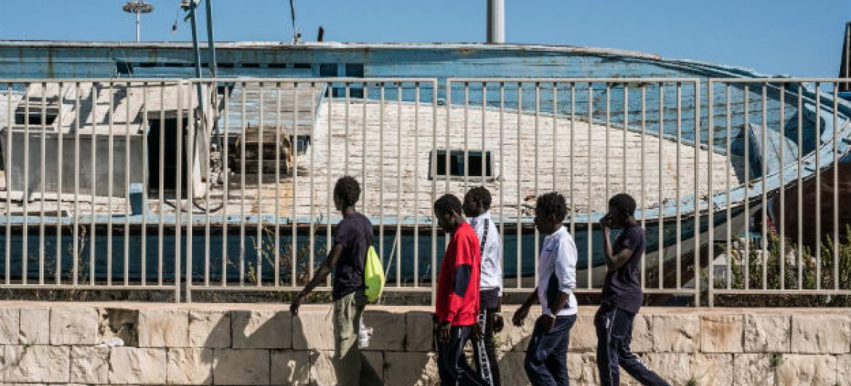 Maioria dos menores desacompanhados na Itália são adolescentes africanos. Foto: © UNICEF/UN020020/Gilbertson VII Photo