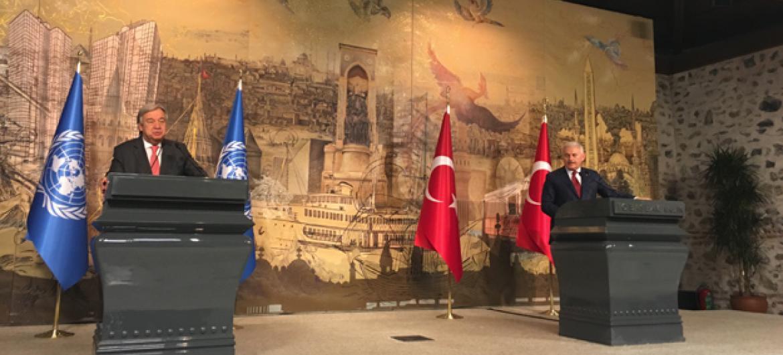 António Guterres fala aos jornalistas na Turquia. Foto: ONU