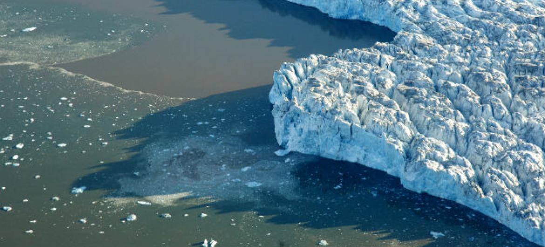Gelo polar derretendo. Foto: ONU/Mark Garten