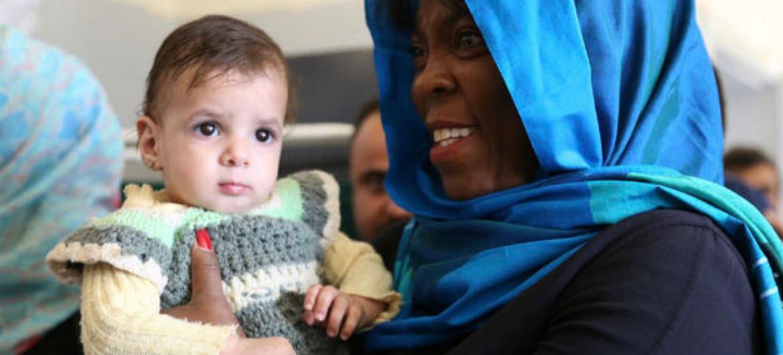 Chefe do Programa Mundial de Alimentação, PMA, Ertharin Cousin visita o Iêmen. Foto: PMA
