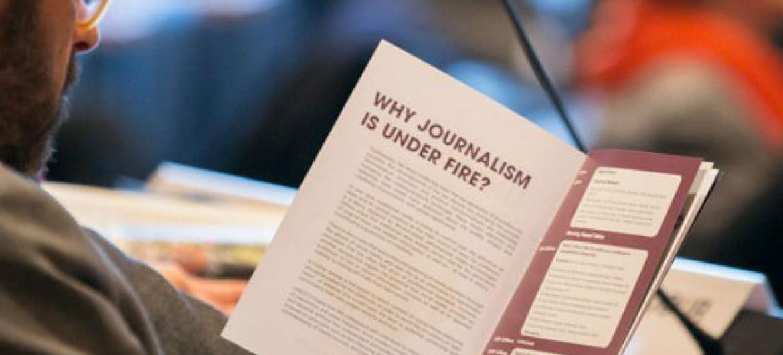 Livro com orientações para jornalistas sobre a cobertura do terrorismo. Foto: Unesco